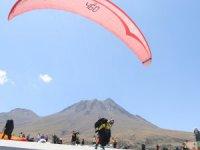 Aksaray'da Uluslararası Yamaç Paraşütü Rusya Açık Şampiyonası başladı