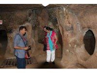 İlk Hristiyanların inşa ettiği 7 katlı yeraltı şehri yoğun ilgi görüyor