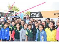 Başkan Dinçer, 'Kitap Günleri'nde öğrencilerle buluştu