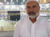 Mustafa Sanlav Hoca Umre'ye götürüyor