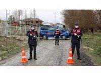 Aksaray'da bir köy korona virüs nedeniyle karantinaya alındı