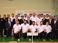 Aksaray Belediyespor Basketbol takım oyuncuları maça kilitlendi