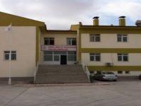 Eskil'de Devlet Hastanesi tepkisi! Hastane birilerinin iş kapısı oldu!