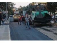 Aksaray'da Yolu Asfaltlanan Cadde Pırıl Pırıl Oldu