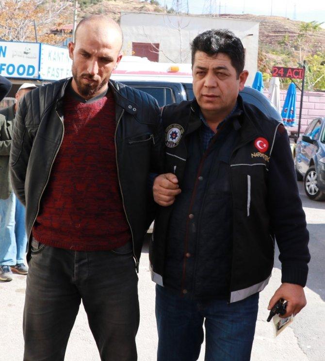 Aksaray'da Suriyeliler 220 Kilo Esrarla Yakalandı