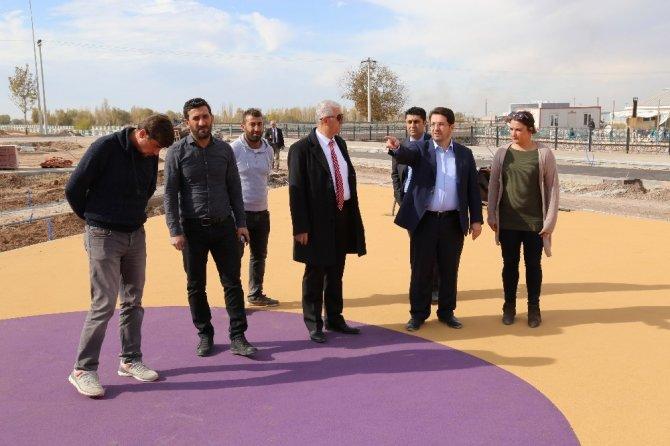 Başkan Yazgı, Tacin Kent Parkta İncelemelerde Bulundu