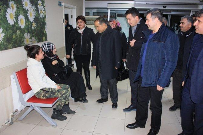 Ak Parti Heyeti Hasta Ve Hasta Yakınlarını Ziyaret Etti