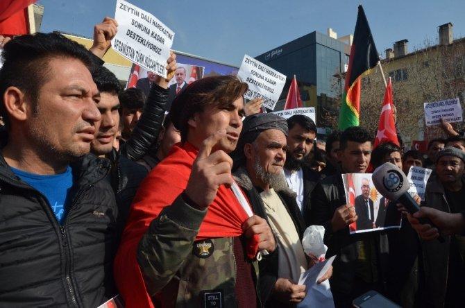 Aksaray'da Yaşayan Afganlılar Gönüllü Askerlik Başvurusu Yaptı