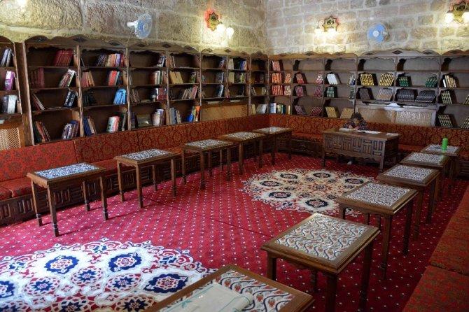 Aksaray'da Bilgi Evlerinde 20 bin kitap halka sunuluyor