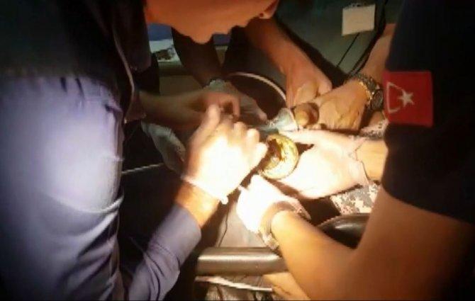 Kıyma makinesine kaptırdığı elini itfaiye çıkarttı