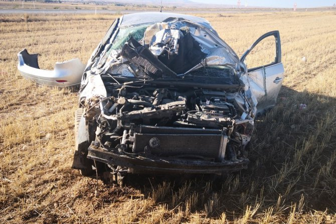 Aksaray'da otomobil tarlaya devrildi: 1 yaralı
