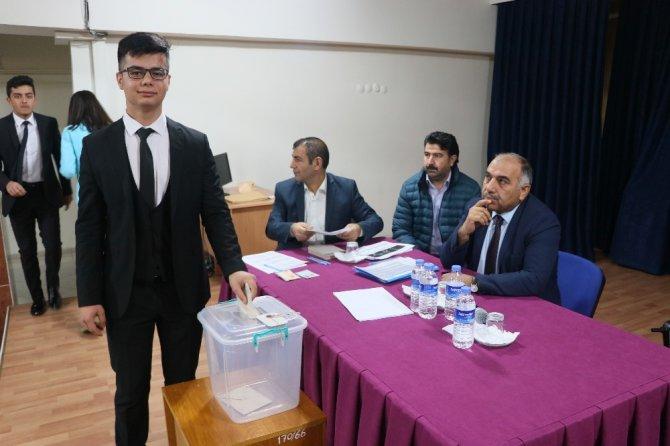 Aksaray'da 16. Dönem İl Öğrenci Meclis seçimi yapıldı