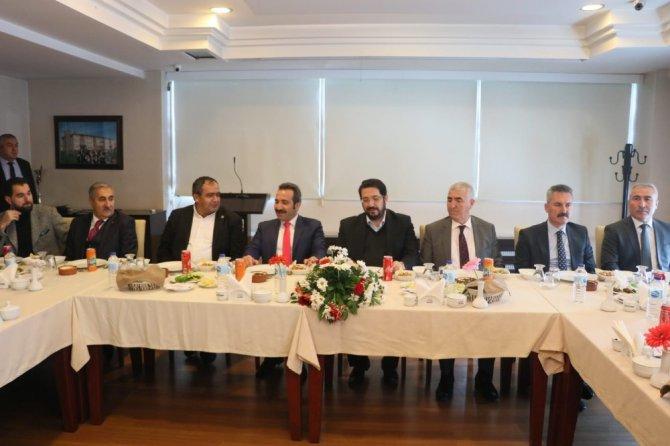 Aksaray'da çiftçiler ve muhtarlar istişare toplantısında buluştu