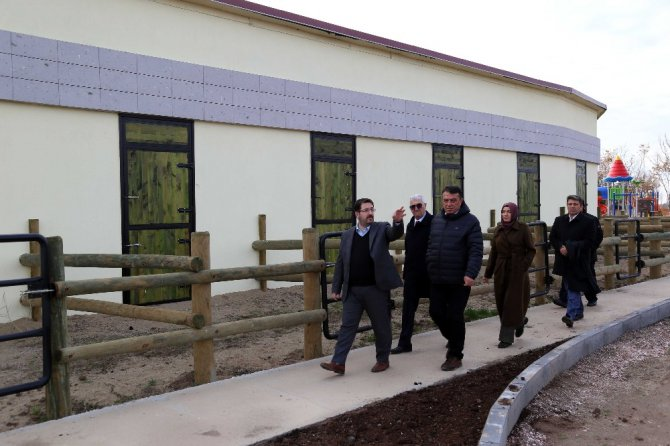 Başkan Yazgı at binicilik tesisinde incelemelerde bulundu