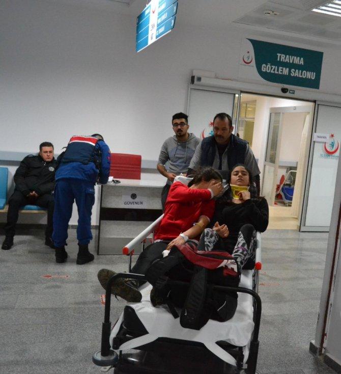 Aksaray'da minibüsler çarpıştı: 21 yaralı