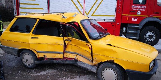Aksaray'da otomobille kamyonet çarpıştı: 4 yaralı