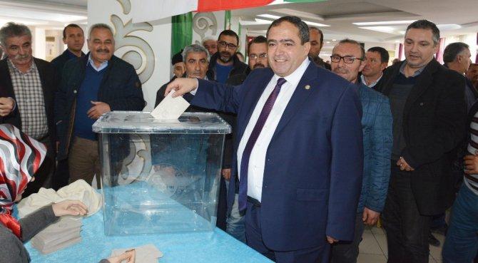 Başkan Koçak yeniden başkanlığa seçildi