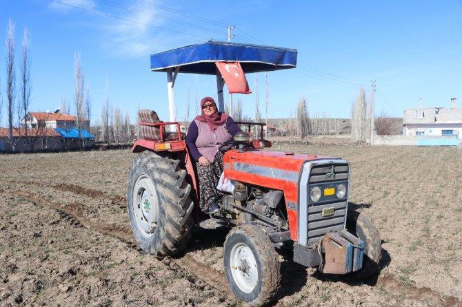 Muhtar adayı Mavuş kadın, köyün problemlerini çözecek