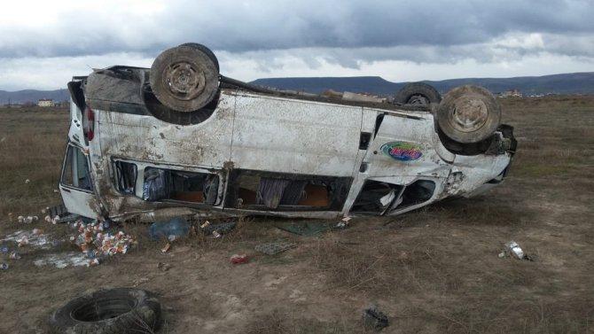 Aksaray'da minibüs devrildi: 1 yaralı