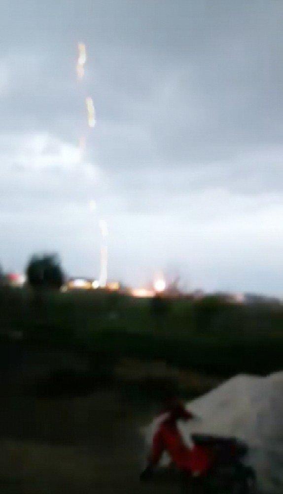 Aksaray'da yıldırım düşme anı görüntülendi