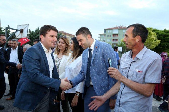 Belediye Başkanı Dinçer vatandaşla iftarda buluştu