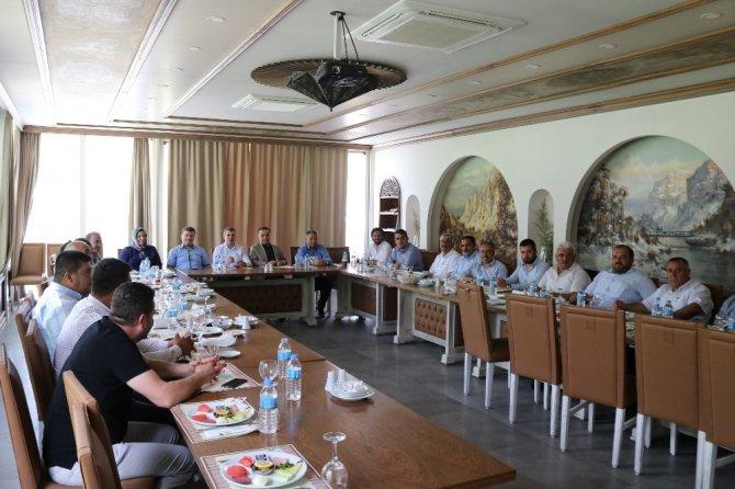 AK Partililer istişare toplantısında bir araya geldi