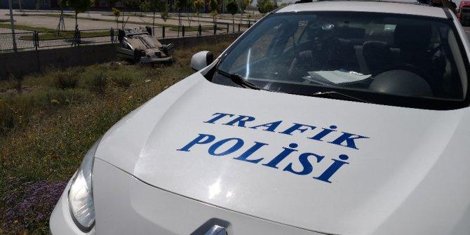 Aksaray'da otomobil şarampole takla attı: 3 yaralı
