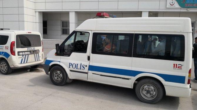 Sahte pasaportlu göçmenleri polisin dikkati yakalattı