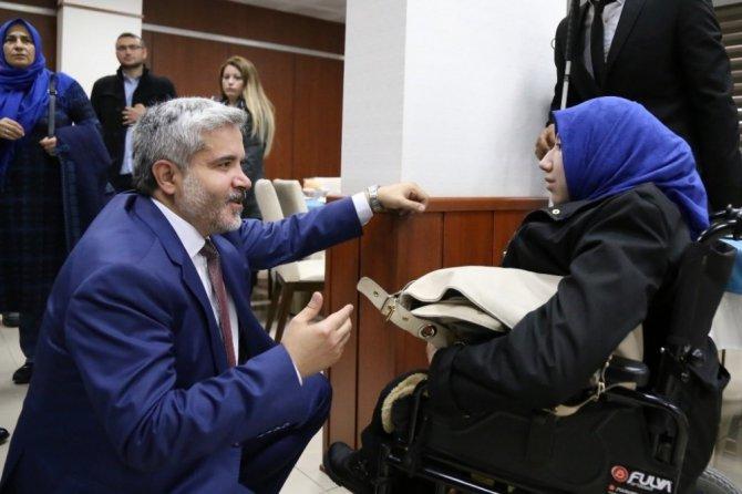 """ASÜ Rektörü Şahin: """"Hedefimiz, engelsiz bir kampüs oluşturmak"""""""