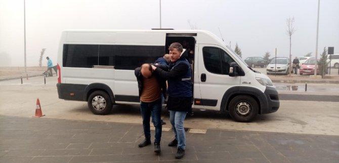 Aksaray'da göçmen kaçakçılığı operasyonu: 5 tutuklama
