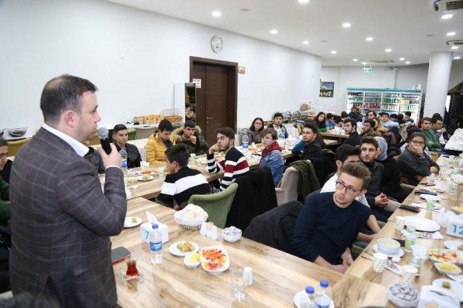 Aksaray belediyesi gençlerin fikirlerini değerlendirdi