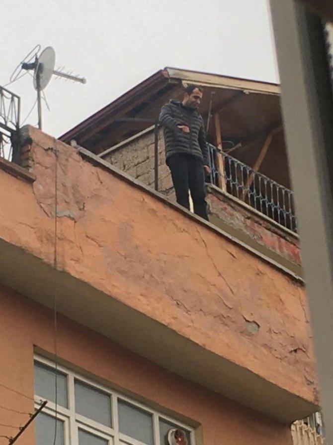 Aksaray'da intihar girişiminde bulunan şahsı, Emniyet Müdürü ikna etti