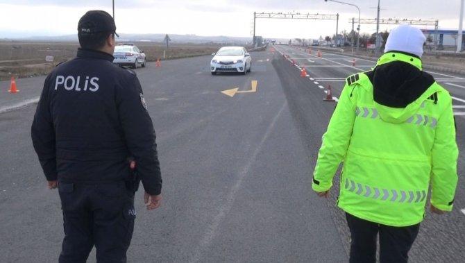 Aksaray polisinden kara yolları uygulaması
