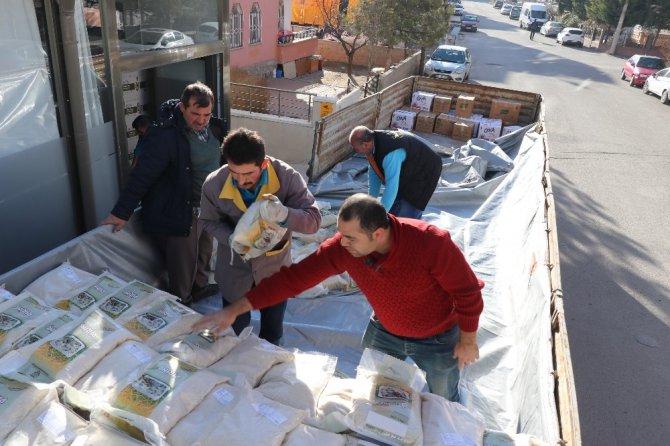 Aksaray'dan Elazığ'a bir tır gıda yardımı