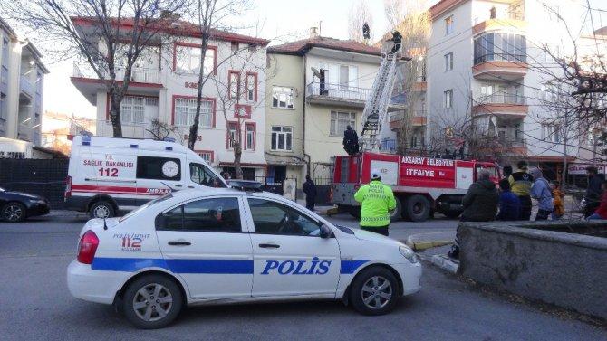 Aksaray'da baca yangını paniğe neden oldu
