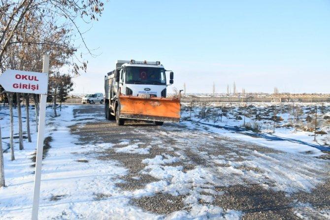 Aksaray Belediyesi kar mesaisini aralıksız sürdürdü