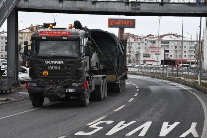 Sınıra zırhlı araç sevkiyatları sürüyor
