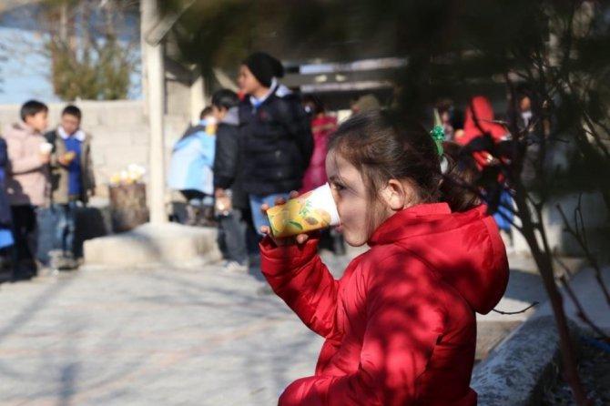 Aksaray Belediyesi'nden Gözlükuyu köyündeki çocuklara çorba ikramı