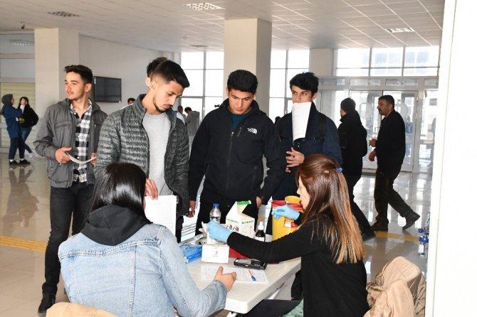 Aksaray'da öğrencilerden kan ve kök hücre bağışı