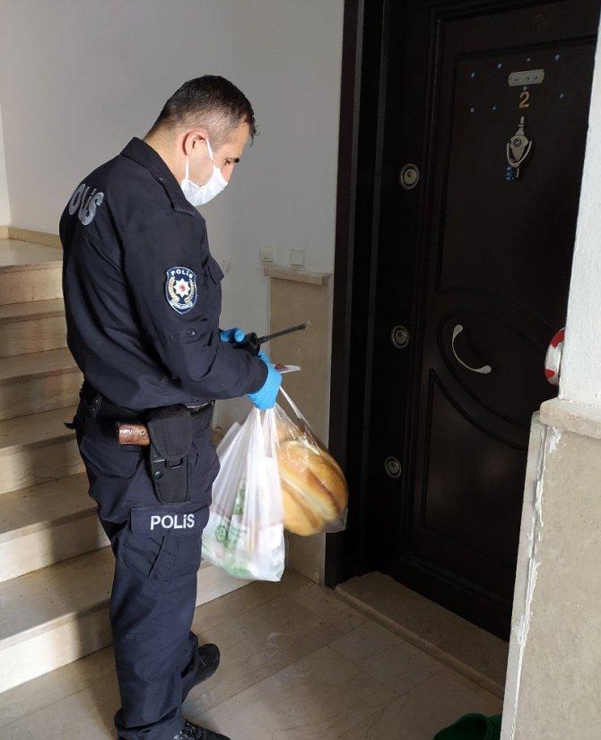 Aksaray'da yaşlı ve hastaların ihtiyaçlarını polis ekipleri karşıladı