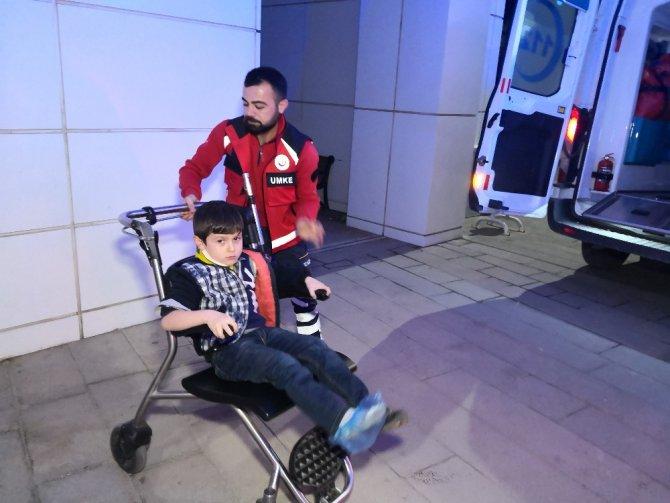 Aksaray'da otomobil tarlaya uçtu: 1'i çocuk 4 yaralı