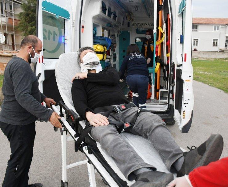 Otomobille elektrikli bisiklet çarpıştı: 1 yaralı