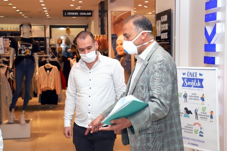 Açılan alışveriş merkezleri belediye ekiplerince denetleniyor
