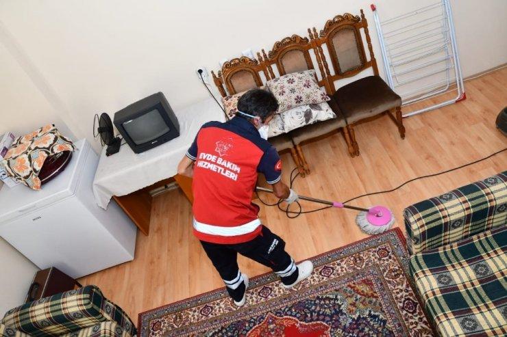 Aksaray Belediyesi evde bakım ve temizlik hizmetlerini sürdürüyor