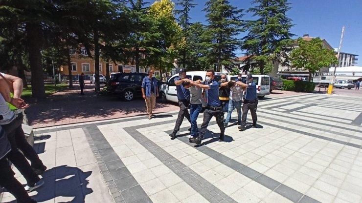 Aksaray'da 5 yılda 11 hırsızlık yapan 3 şüpheli tutuklandı