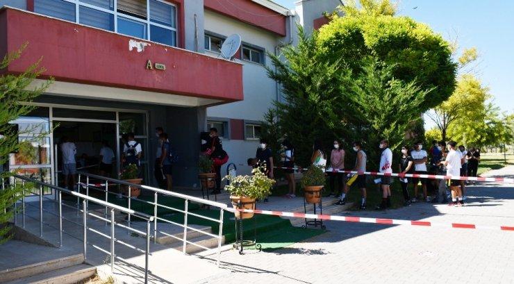 ASÜ Spor Bilimleri Fakültesi'nde mülakatlar başladı