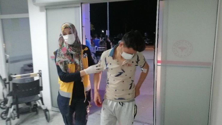 Gençlerin kavgası kanlı bitti: 3 yaralı