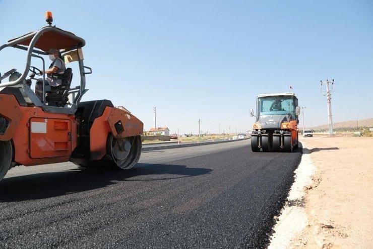 Aksaray'da sıcak asfalt çalışmaları sürüyor
