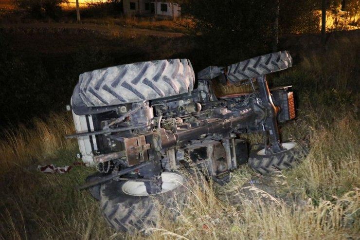 Aksaray'da traktör şarampole devrildi: 1 yaralı