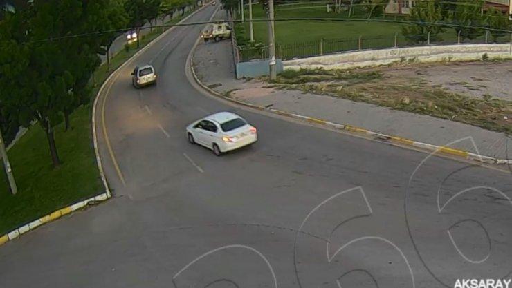 Aksaray'da MOBESE kameralarına yansıyan trafik kazaları